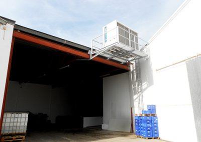 Cubierto y estructura de soporte de equipo de frío